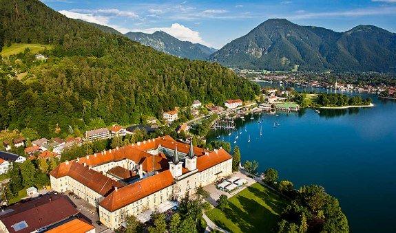 Tegernsee - das ehemalige Benediktiner-Kloster, © im-web.de/ Tourist-Information Rottach-Egern