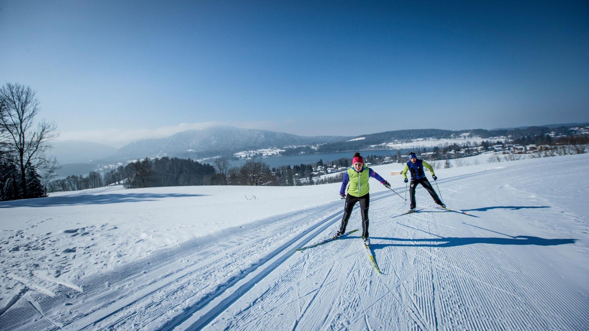 Langläufer auf Loipe in Gmund, © Hansi Heckmair