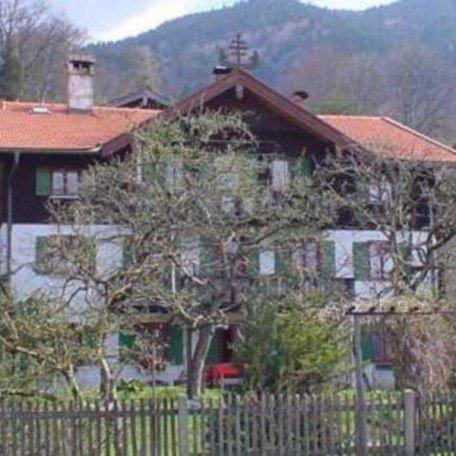 Haus von vorne, © im-web.de/ Tourist-Information Gmund am Tegernsee