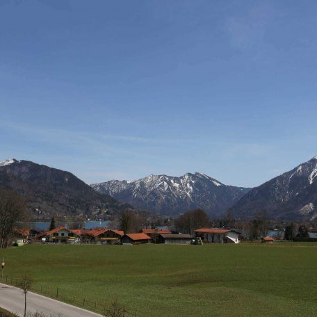 https://d1pgrp37iul3tg.cloudfront.net/objekt_pics/obj_full_42563_001.jpg, © im-web.de/ Tourist-Information Bad Wiessee