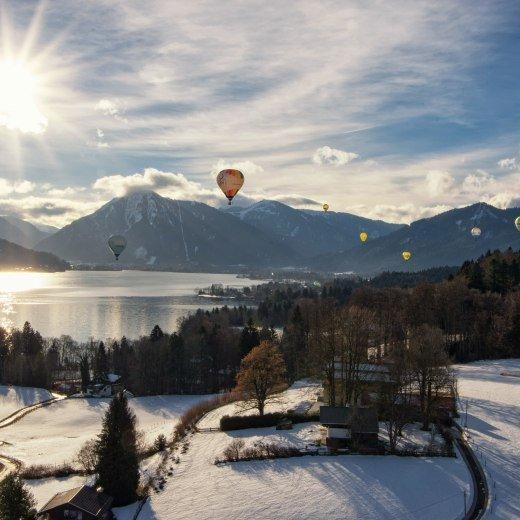 Strahlender Sonnenschein setzt die Ballone bei der Tegernseer Tal Montgolfiade richtig in Szene, © ©Thomas Müller