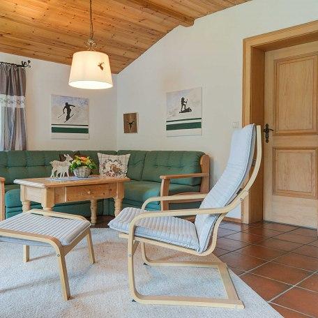 Couch mit TV-Sessel, © im-web.de/ Tourist-Information Rottach-Egern