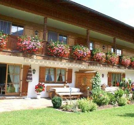 Erdgeschossferienwohnung mit Terrasse, © im-web.de/ Tourist-Information Rottach-Egern