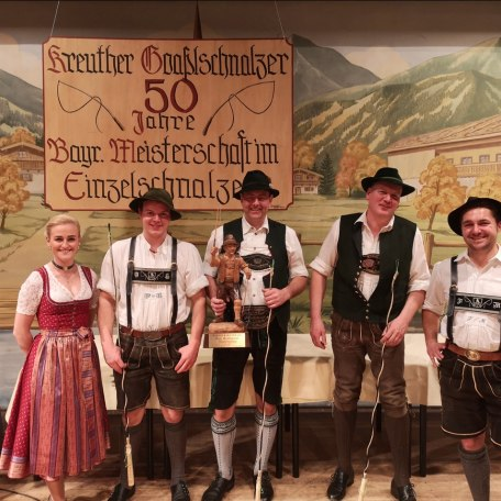 Kreuther Goasslschnalzer 50 Jahre Bayer. Meisterschaft im Einzelschnalzen - mit bayr. Bierkönigin, © Kreuther Goaßlschnalzer
