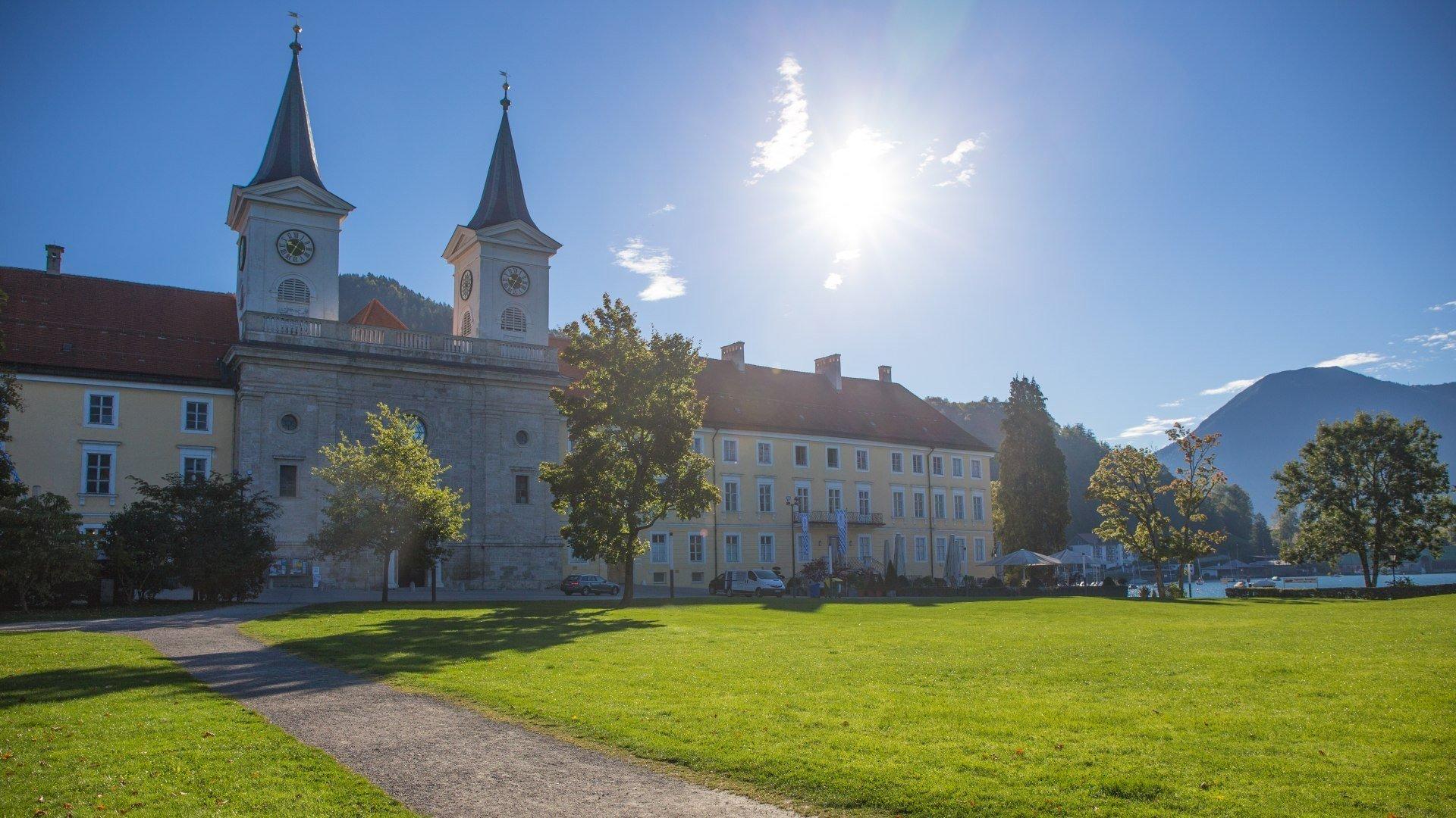 die-kirche-des-ehemaligen-kloster-tegernsee