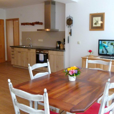 Küche und Wohnraum in FeWo 3 (behindertenfreundlich), © im-web.de/ Tourist-Information Bad Wiessee