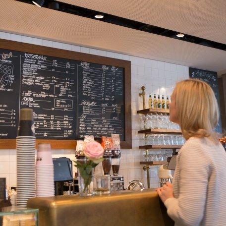 Cafe Aran, © Christoph Schempershofe