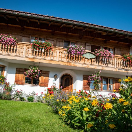 Ostseite des Hauses, © im-web.de/ Tourist-Information Kreuth