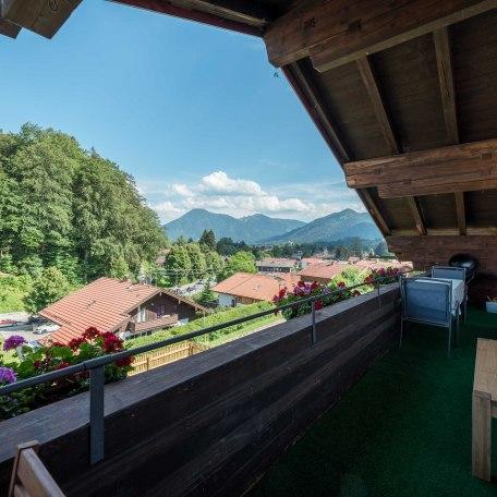 Aussicht Richtung Süd-Osten vom Balkon, © im-web.de/ Alpenregion Tegernsee Schliersee Kommunalunternehmen