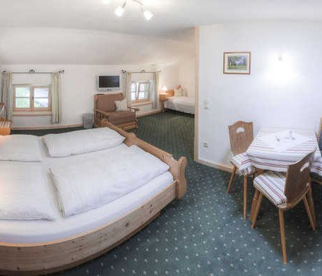 Zimmer 11, © im-web.de/ Tourist-Information Kreuth