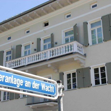 Direkt vor dem Haus: Uferanlage, © im-web.de/ Tourist Information Tegernsee
