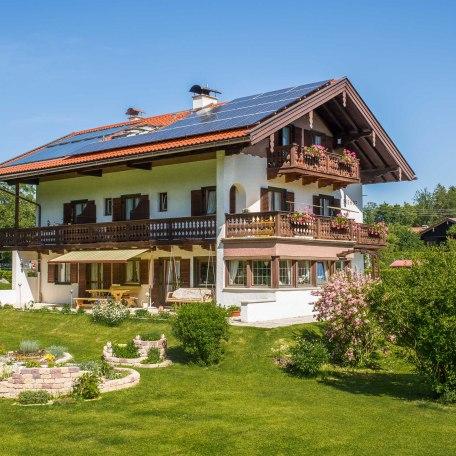 Seehof Außenansicht, © im-web.de/ Tourist-Information Bad Wiessee
