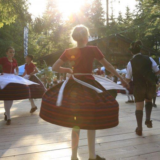 Tanz beim Waldfest in Tegernsee, © Egbert Krupp