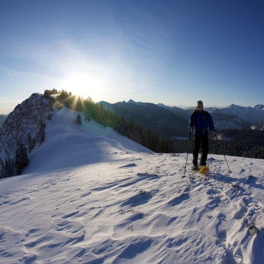 Schneeschuhwandern am Hirschberg bei Sonnenschein, © Bernd Ritschel