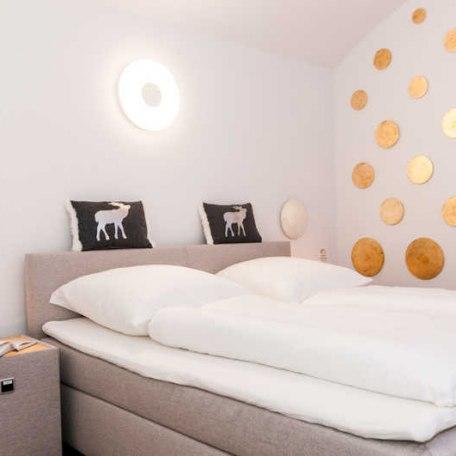 Himmlisch schlafen im königlichen Boxspringbett, © im-web.de/ Tourist Information Tegernsee