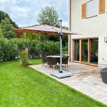 Garten mit privater Sonnenterrasse, © im-web.de/ Alpenregion Tegernsee Schliersee Kommunalunternehmen