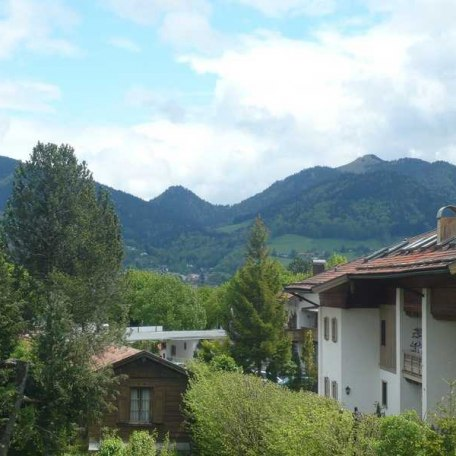 https://d1pgrp37iul3tg.cloudfront.net/objekt_pics/obj_full_43903_002.jpg, © im-web.de/ Tourist-Information Bad Wiessee