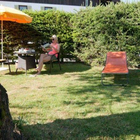 Garten / Liegewiese, © im-web.de/ Tourist-Information Rottach-Egern