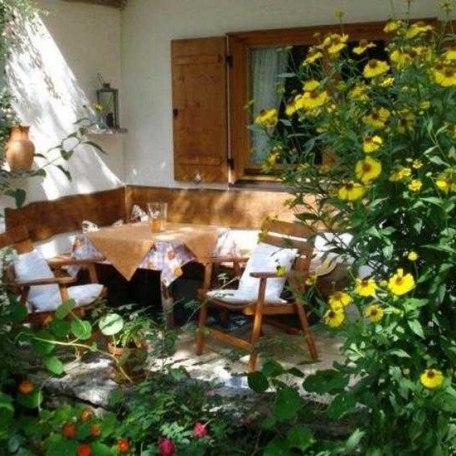 Terrasse mit gemütlicher Sitzecke, © im-web.de/ Tourist-Information Kreuth