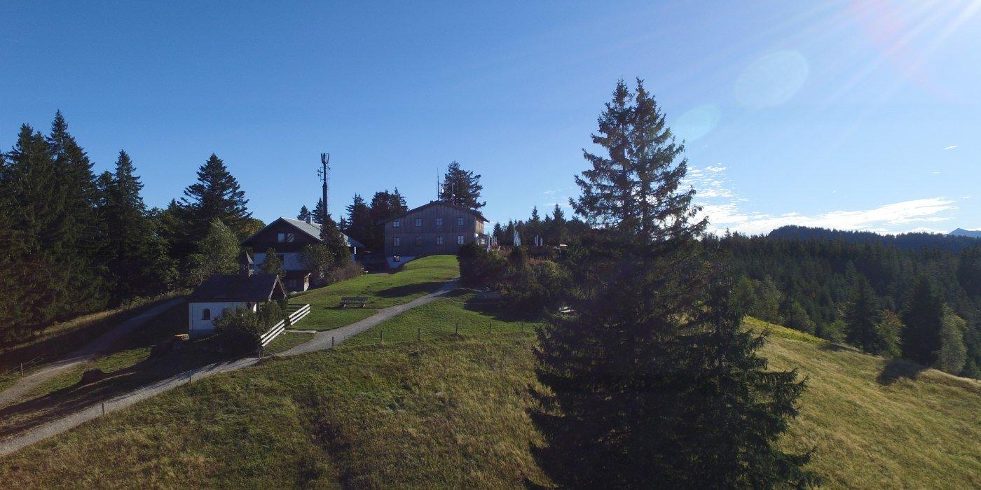 neureuth-kapelle_haus-von-westen