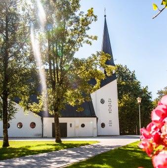 Evang. Auferstehungskirche Rottach-Egern, © Der Tegernsee, Sabine Ziegler-Musiol