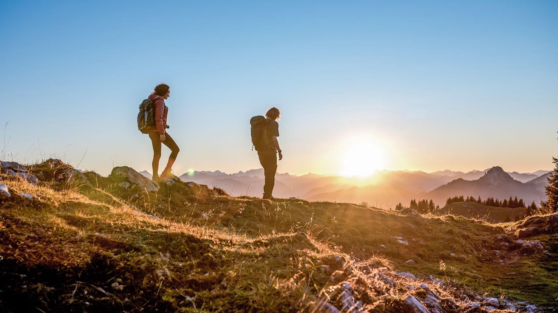 Wandern in Kreuth bei Sonnenuntergang, © Julian Rohn