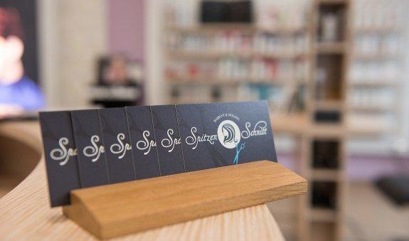Visitenkarten von Spitzen-Schnitt Tegernsee, © Spitzen-Schnitt Tegernsee