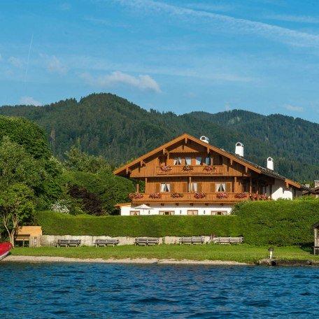 Blick vom See, © im-web.de/ Tourist-Information Bad Wiessee