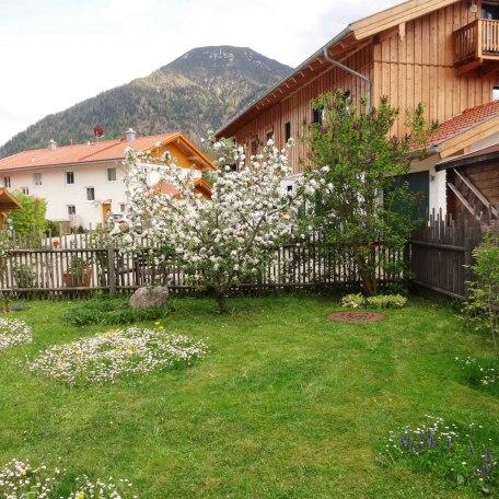 Garten, © im-web.de/ Tourist-Information Rottach-Egern
