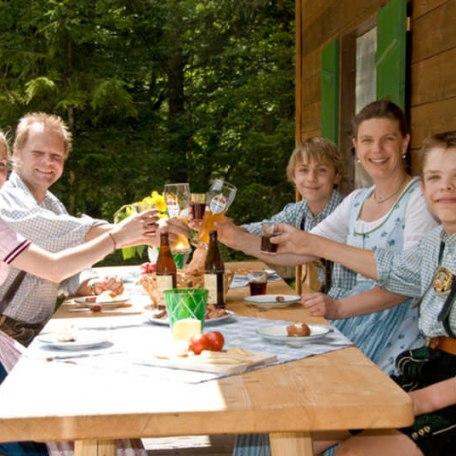 Wir freuen uns auf Ihren Besuch. Ihre Familie Stadler, © im-web.de/ Tourist-Information Rottach-Egern