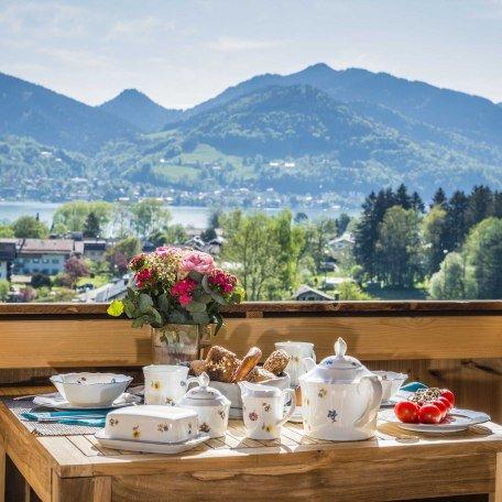 Balkon Wohnbereich, © im-web.de/ Tourist-Information Bad Wiessee
