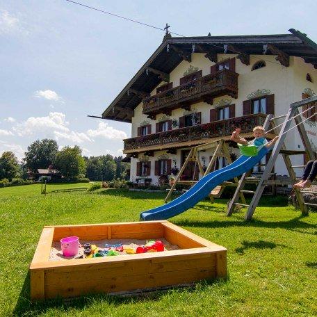 Spielplatz vor dem Haus, © im-web.de/ Tourist-Information Bad Wiessee