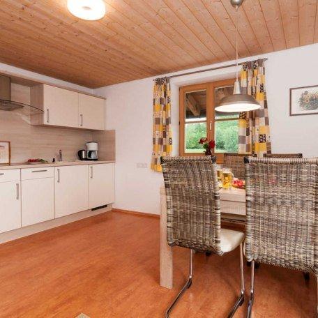 FW Riederstein, zeitgemäß eingerichtete Küche mit Essplatz, © im-web.de/ Tourist-Information Bad Wiessee