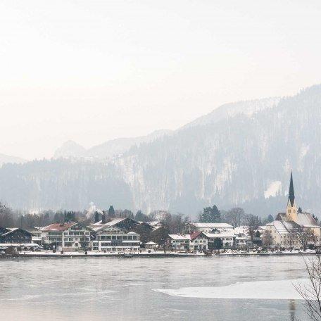 Ferienwohnung Platzhirsch, Ausblick im Winter, © im-web.de/ Ferienwohnungen Tegernsee