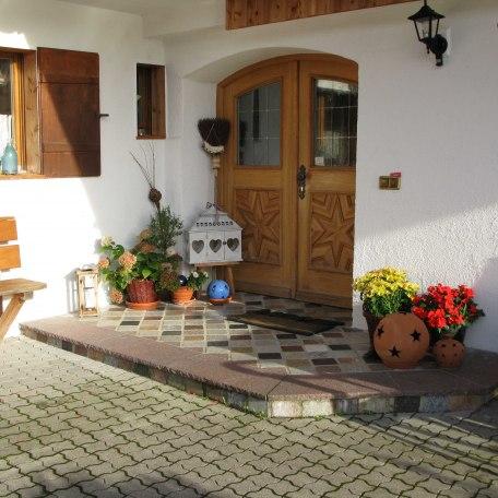 Eingang Gästehaus, © im-web.de/ Tourist-Information Rottach-Egern