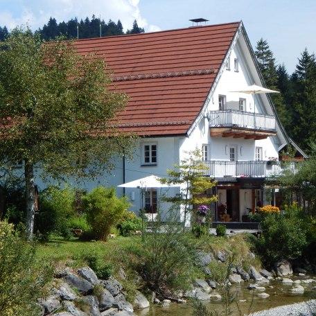 Haus mit Garten, © im-web.de/ Alpenregion Tegernsee Schliersee Kommunalunternehmen