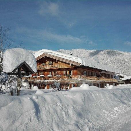 Winterurlaub im Gästehaus Becher - direkt am Skilift, © im-web.de/ Tourist-Information Kreuth