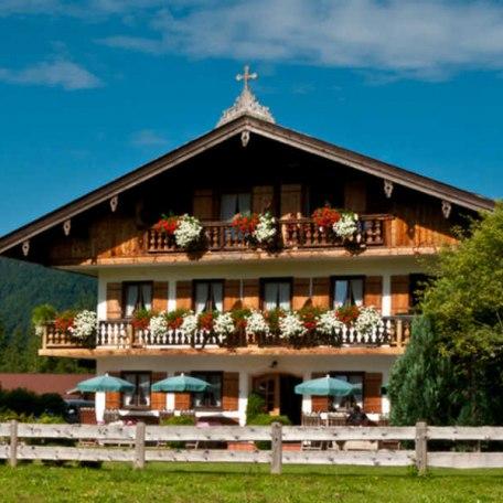 https://d1pgrp37iul3tg.cloudfront.net/objekt_pics/obj_full_32185_011.jpg, © im-web.de/ Tourist-Information Rottach-Egern