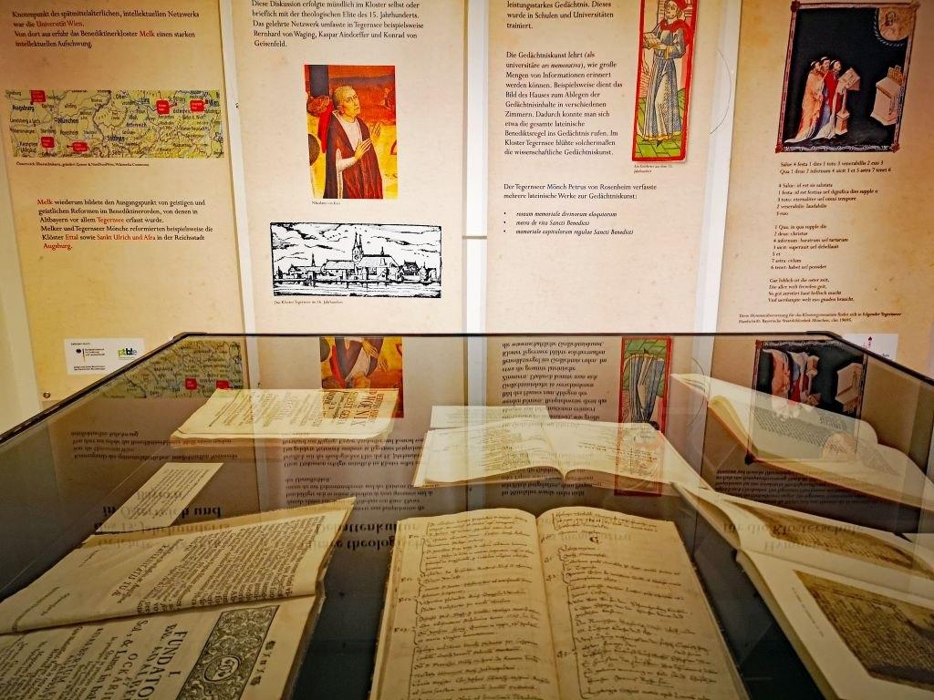 Literaturschätze aus der Klosterbibliothek, © Der Tegernsee, Ines Wagner
