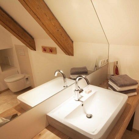 Bad mit Naturstein, © im-web.de/ Alpenregion Tegernsee Schliersee Kommunalunternehmen