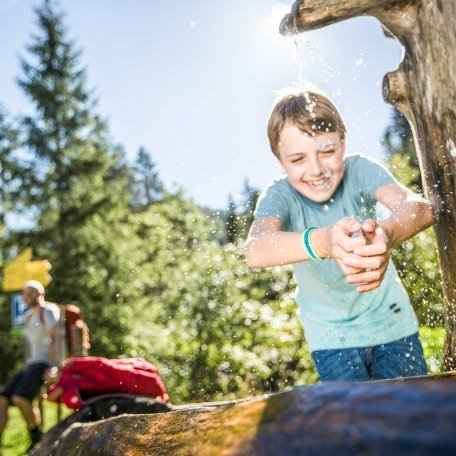 Kinderferienprogramm - Spaß am Brunnen, © Hansi Heckmair