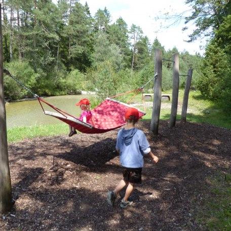 auch Kinder werden müd, gut dass es den Wassererlebnisweg gibt, © im-web.de/ Tourist-Information Kreuth