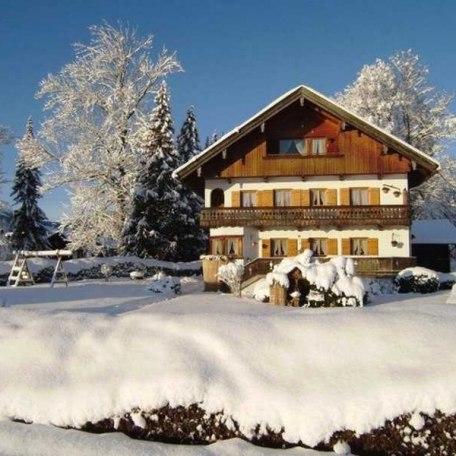 Haus Seeblick im Winter, © im-web.de/ Tourist-Information Bad Wiessee