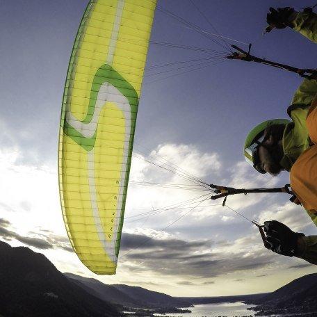 Paraglider in Action, © Dietmar Denger