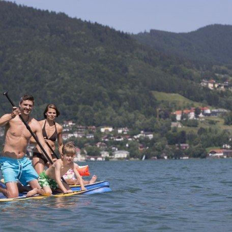 Baden am Tegernsee - Familie auf dem SUP Board, © Hansi Heckmair