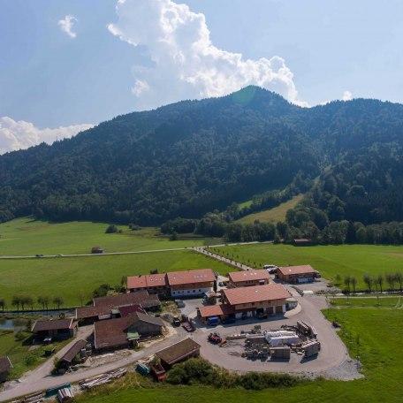 https://d1pgrp37iul3tg.cloudfront.net/objekt_pics/obj_full_31648_022.jpg, © im-web.de/ Tourist-Information Rottach-Egern