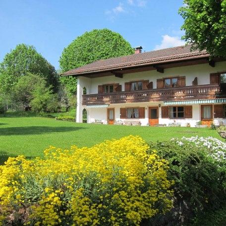 Blick auf die Ferienwohnungen, © im-web.de/ Tourist-Information Rottach-Egern