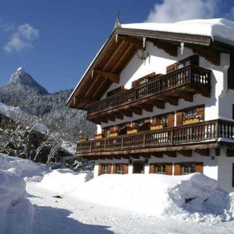 Gästehaus Eck im Winter, © im-web.de/ Tourist-Information Kreuth