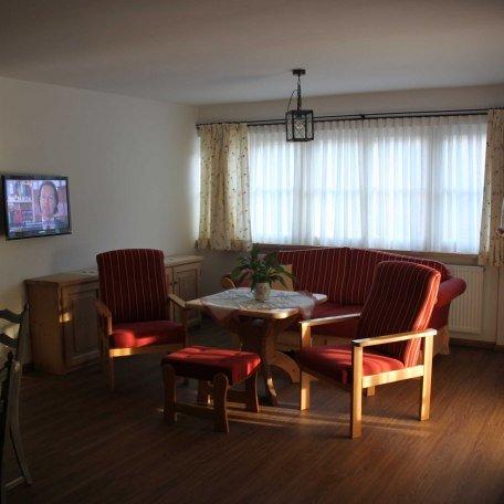 Sofa im Wohnbereich unserer FeWo 2, © im-web.de/ Tourist-Information Bad Wiessee