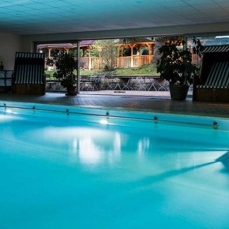 Schwimmbad, © im-web.de/ Tourist-Information Bad Wiessee